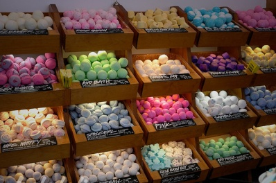 the-definitive-ranking-of-lush-bath-bombs-2-25416-1447375097-3_dblbig